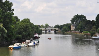 Photographing along the Thames