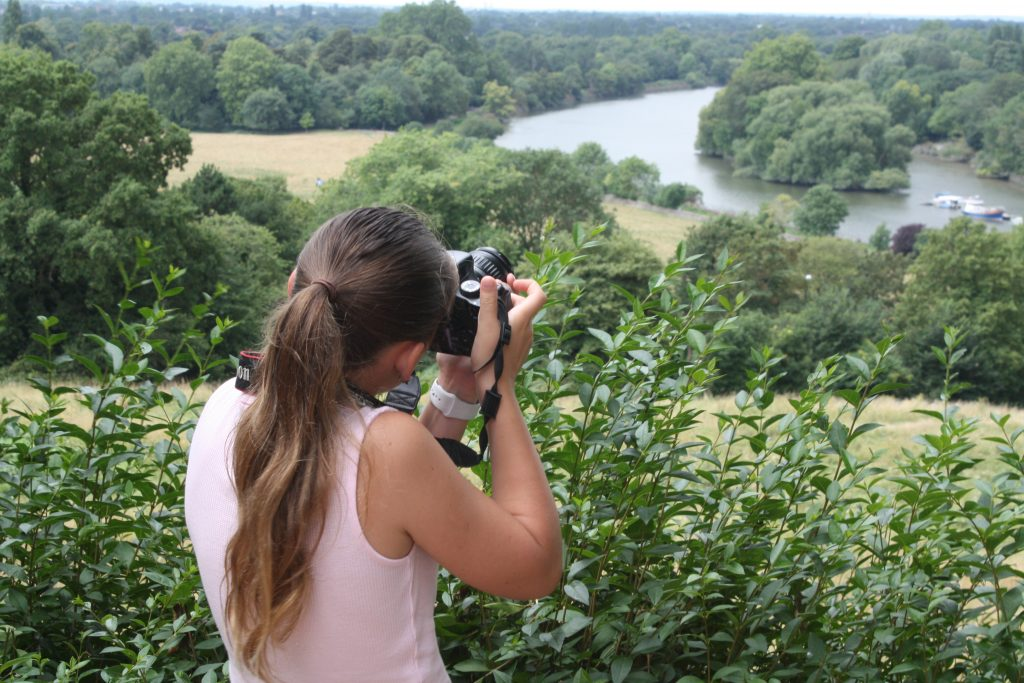 Photographing the view of Richmond on teens photography course