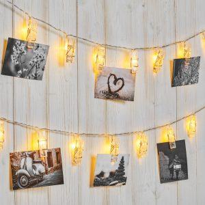String peg lights for handing photographs